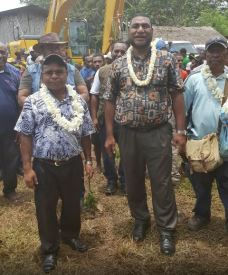 Pangu Party Gen Secretary Morris escoting Kairuku Hiri and and Goilala MPs 2 - Dubuy Highway